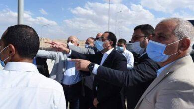 صورة رئيس الوزراء يتفقد أعمال تطوير محاور وطرق مدينة السادس من أكتوبر