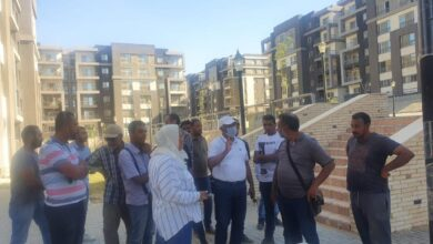 صورة مساعد نائب وزير الإسكان يتفقد مواقع مشروعى سكن مصر وJANNA بالقاهرة الجديدة