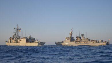 صورة القوات البحرية المصرية والأسبانية تنفذ تدريباً بحرياً عابراَ بنطاق الأسطول البحر الاحمر.