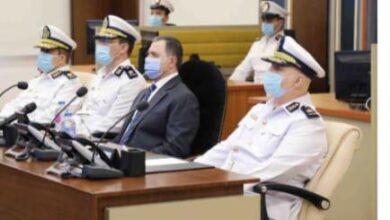صورة وزير الداخلية يتابع إجراءات تأمين العملية الإنتخابية من داخل غرفة العمليات الرئيسية بقطاع الأمن