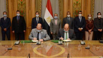 """صورة وزيرا """" الإنتاج الحربى """" و """" البترول """" يشهدا توقيع بروتوكول للتعاون فى عدد من المجالات"""