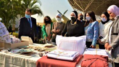 """صورة وزيرة التجارة والصناعة تفتتح معرض """"صنع في مصر"""" بمتحف القوات الجوية"""
