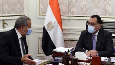صورة فى لقاء مع وزير التموين: رئيس الوزراء يطمئن على توافر أرصدة السلع الأساسية