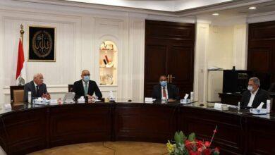 صورة وزير الإسكان ومحافظ بورسعيد يتابعان المشروعات المختلفة الجارى تنفيذها بالمحافظة
