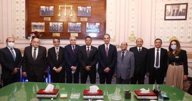 صورة وزير الاتصالات: إتاحة خدمات محكمة النقض عبر منصة مصر الرقمية