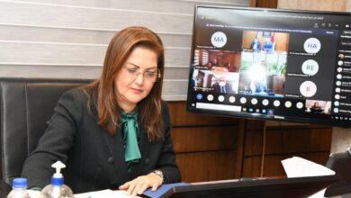 صورة خمسة وزراء يشهدون توقيع برنامج المؤسسة التمويلي لعام 2021 لتقديم حلول تمويلية بمبلغ 1.1 مليار دولار