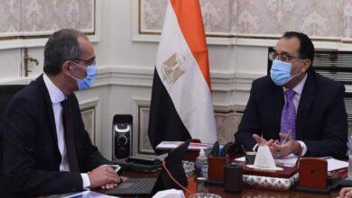 صورة رئيس الوزراء يُتابع مع وزير الاتصالات ملفات عمل الوزارة