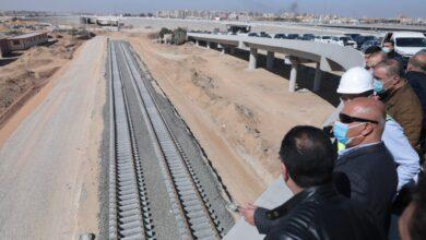 صورة وزير النقل يتفقد أعمال تنفيذ مشروعي مونوريل العاصمة الإدارية الجديدة و القطار الكهربائي LRT