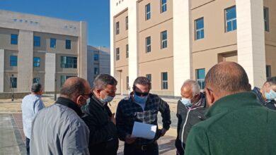 صورة مسئولو الإسكان يقومون بجولة تفقدية للمشروعات المختلفة بمدينة العلمين الجديدة