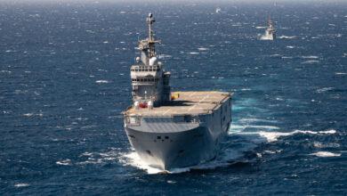 صورة القوات البحرية المصرية والفرنسية تنفذان تدريباً بحرياُ عابراًبنطاق الأسطول الجنوبى