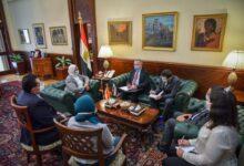 صورة وزيرة الصحة تستقبل السفير الروسي بمصر لبحث توفير لقاح كورونا الروسي (سبوتنكV)