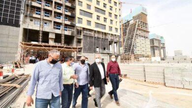 صورة وزير الإسكان يتفقد مشروعات منطقة الأعمال المركزية والحدائق المركزية ومحور محمد بن زايد الجنوبي بالعاصمة الإدارية الجديدة