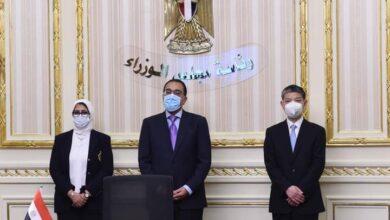 """صورة رئيس الوزراء يشهد توقيع اتفاقيتين لتصنيع لقاح """"سينوفاك"""" الصيني في مصر"""