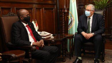 صورة وزير الزراعة يبحث مع وزير الثروة الحيوانية السوداني سبل التعاون في مجال الإنتاح الحيواني والاستزراع السمكي