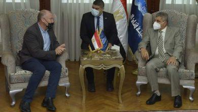 صورة الفريق أسامة ربيع يلتقي السفير الأسترالي لبحث سبل التعاون المشترك