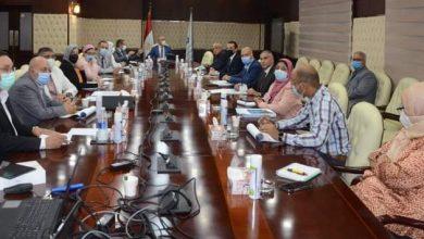 صورة وزير الإسكان يتابع موقف البت في طلبات التصالح على مخالفات البناء فى المدن الجديدة