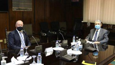 صورة وزير الكهرباء  يبحث مع  سفير استراليا بمصر سبل دعم وتعزيز التعاون