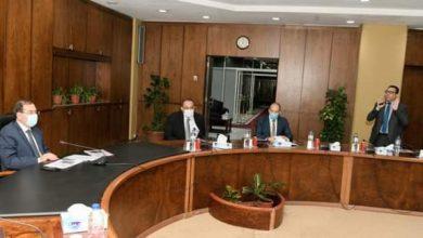 صورة وزير البترول يتابع تقدم تنفيذ برنامج التوسع في محطات الغاز الطبيعى للسيارات