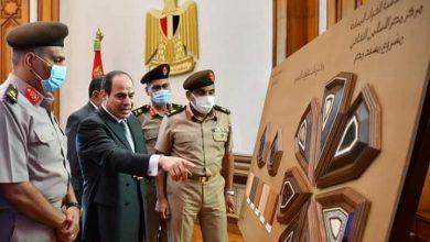 صورة السيسي يطلع علي الإستراتيجية وتصميمات مبنى مسجد مصر بالعاصمة الإدارية