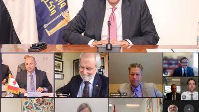 صورة وزير الاتصالات  يشهد توقيع اتفاق تعاون لتقديم ماجستير العلوم فى علوم البيانات والذكاء الاصطناعى من جامعة كوينز الكندية
