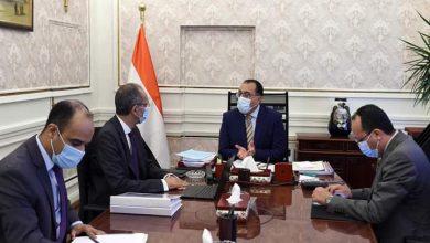 صورة رئيس الوزراء يتابع مع وزير الاتصالات ملفات عمل الوزارة خلال الفترة القادمة