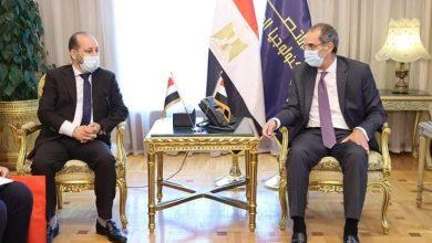 صورة وزير الاتصالات يستقبل نظيره اليمنى لبحث التعاون المشترك